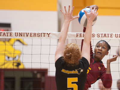 Senior Arielle Goodson recorded a match-leading 20 kills and three block assists in Sunday's victory.  (Photo by Ed Hyde)