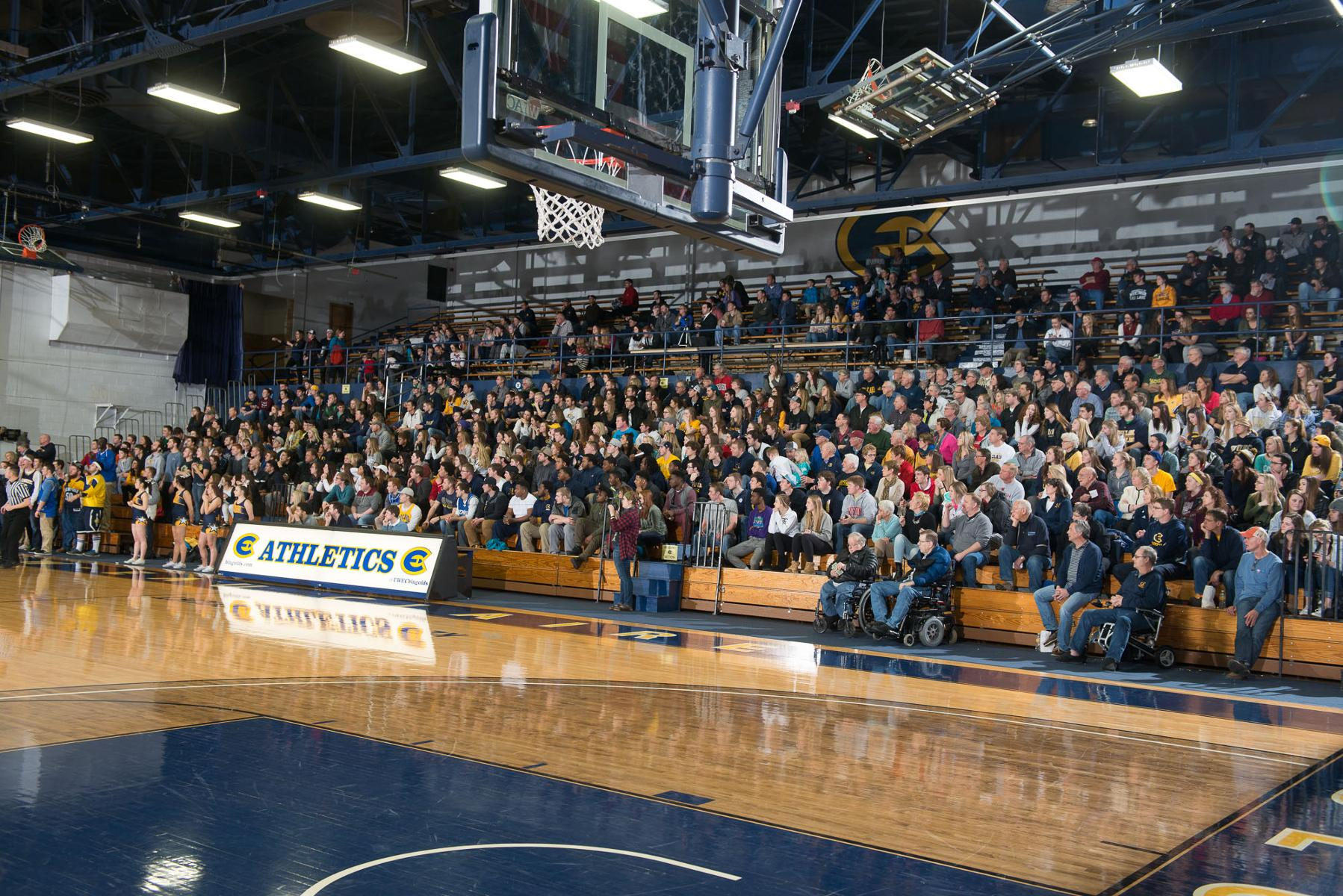 Basketball programs score high in Division III attendance