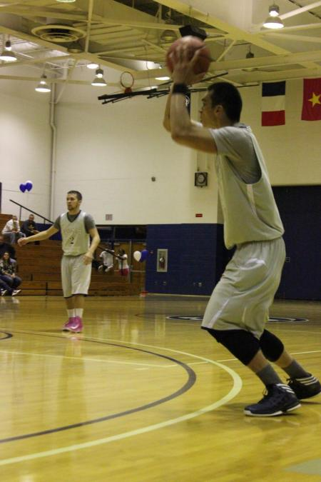 Men's Basketball Goes 1-1 In Turkey Drive Classic Following 80-44 Loss