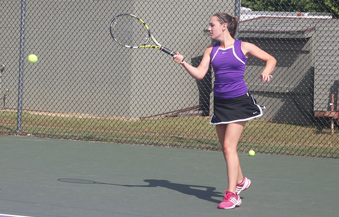 Women's tennis blanks New Haven as five Purple Knights win twice