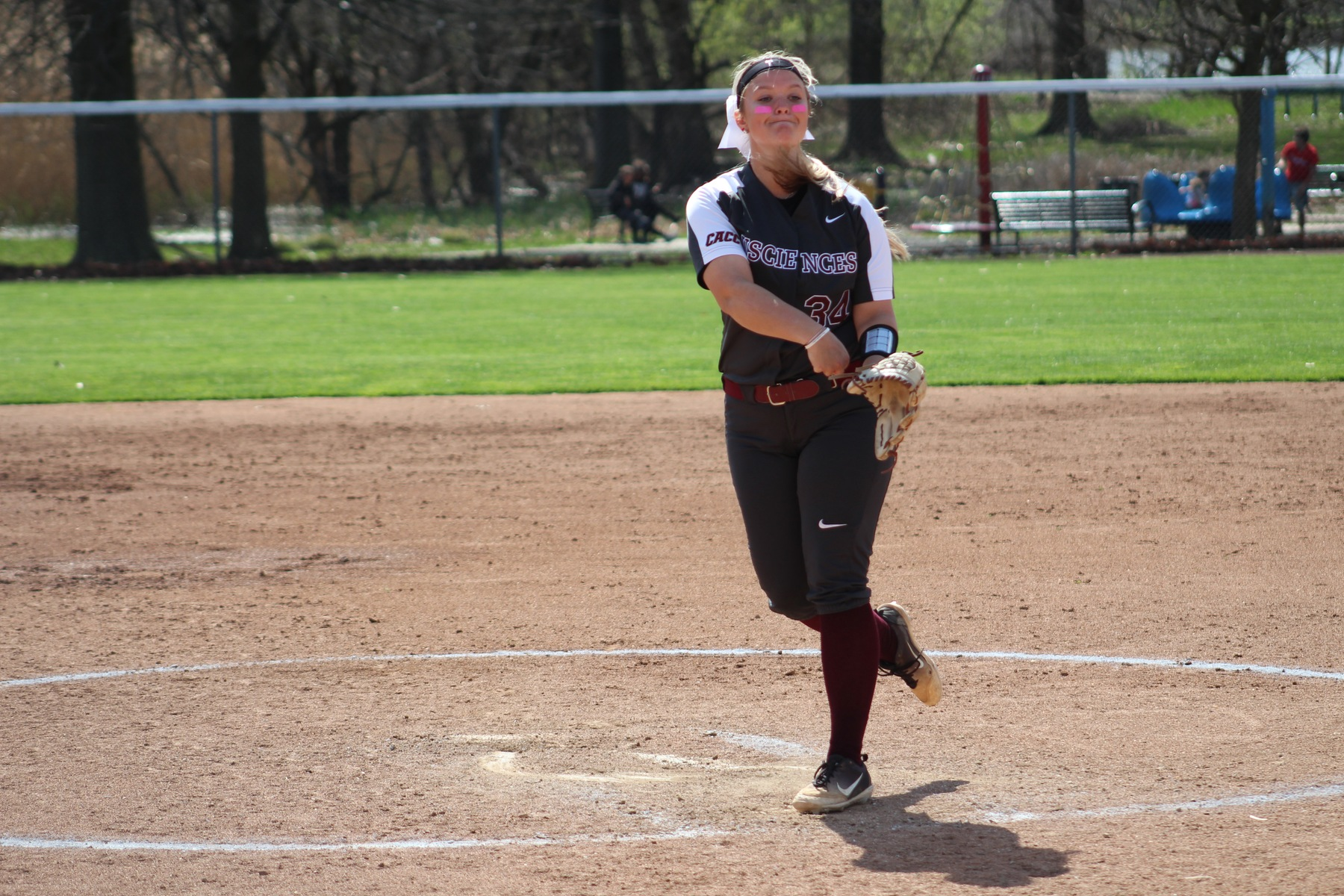 Gaynor Becomes All-Time Strikeouts Leader; Softball Drops Pitcher's Duel in Game One of Doubleheader Sweep Against Second-Place Wilmington