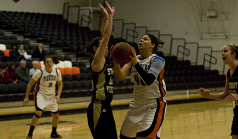 #7 Women's Basketball Cannot Hold Off #3 George Fox in NWC Championship