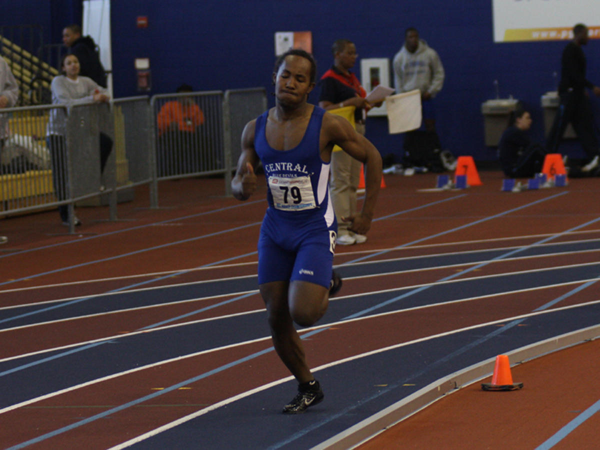 Radden Sets New Record In 200 Meters at Boston Indoor Games