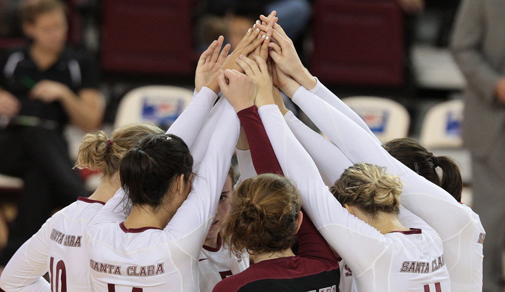 Volleyball Falls in 3 to Saint Mary's