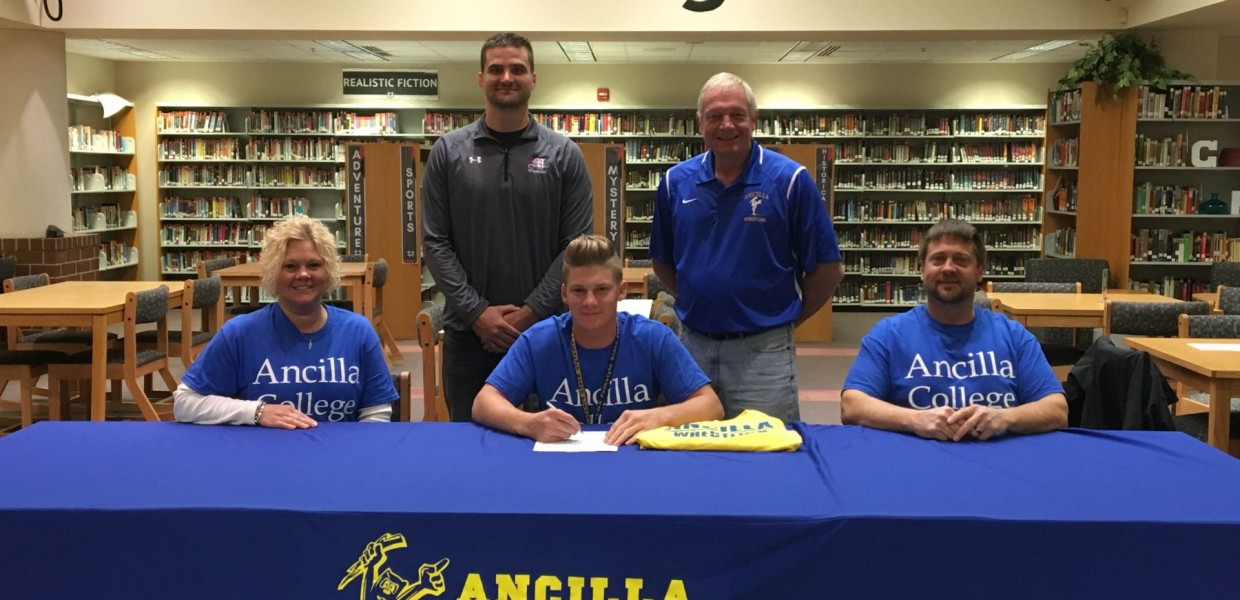 Photo for Charger Wrestling Signs Moore