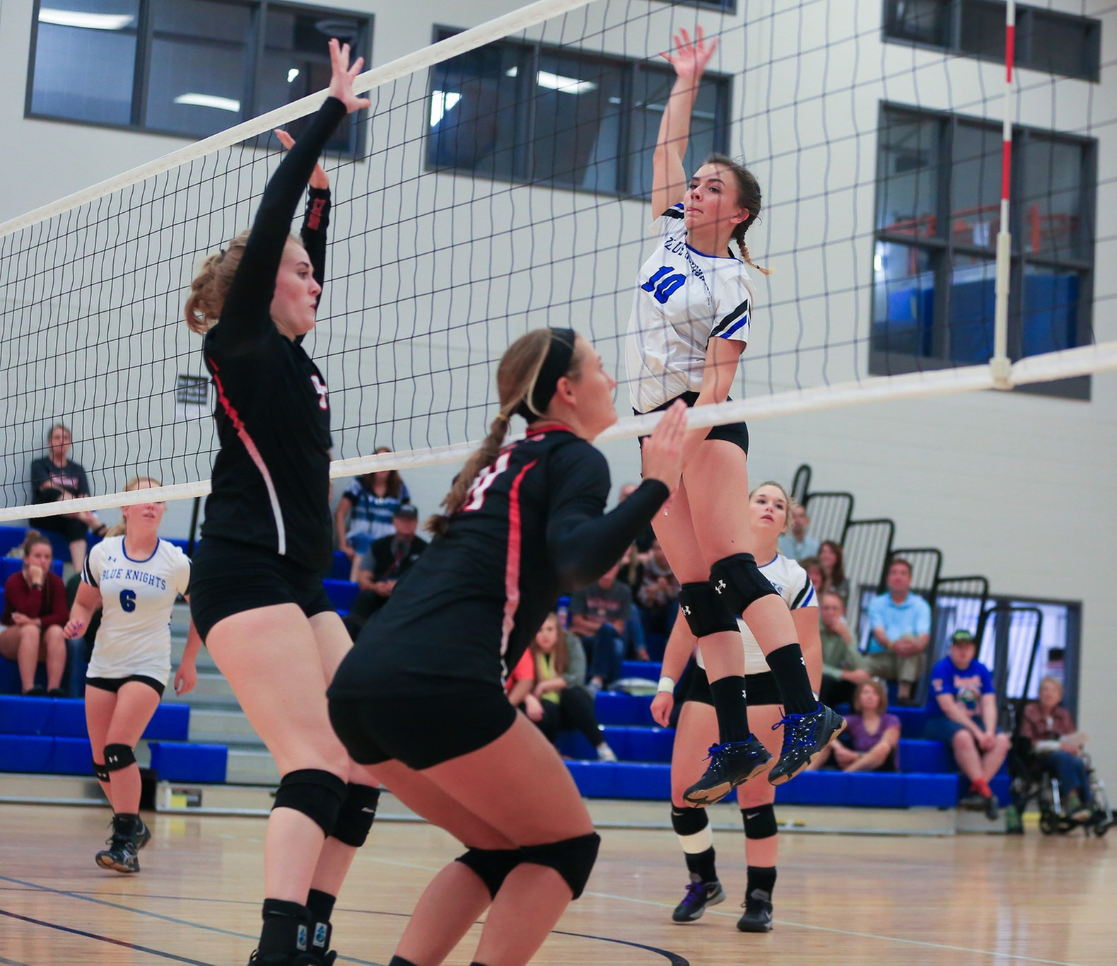 Volleyball team wins season opener