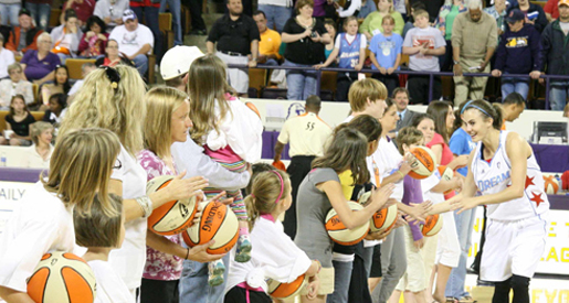 Dream, Mystics delight fans in Eblen Center; View photo gallery of game