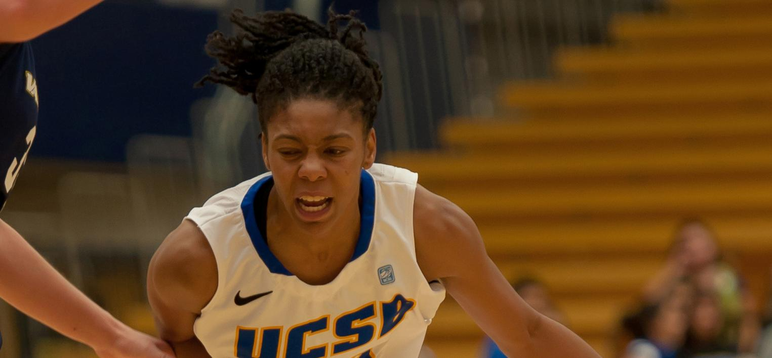 Late Rally Leads Pacific Past Gauchos