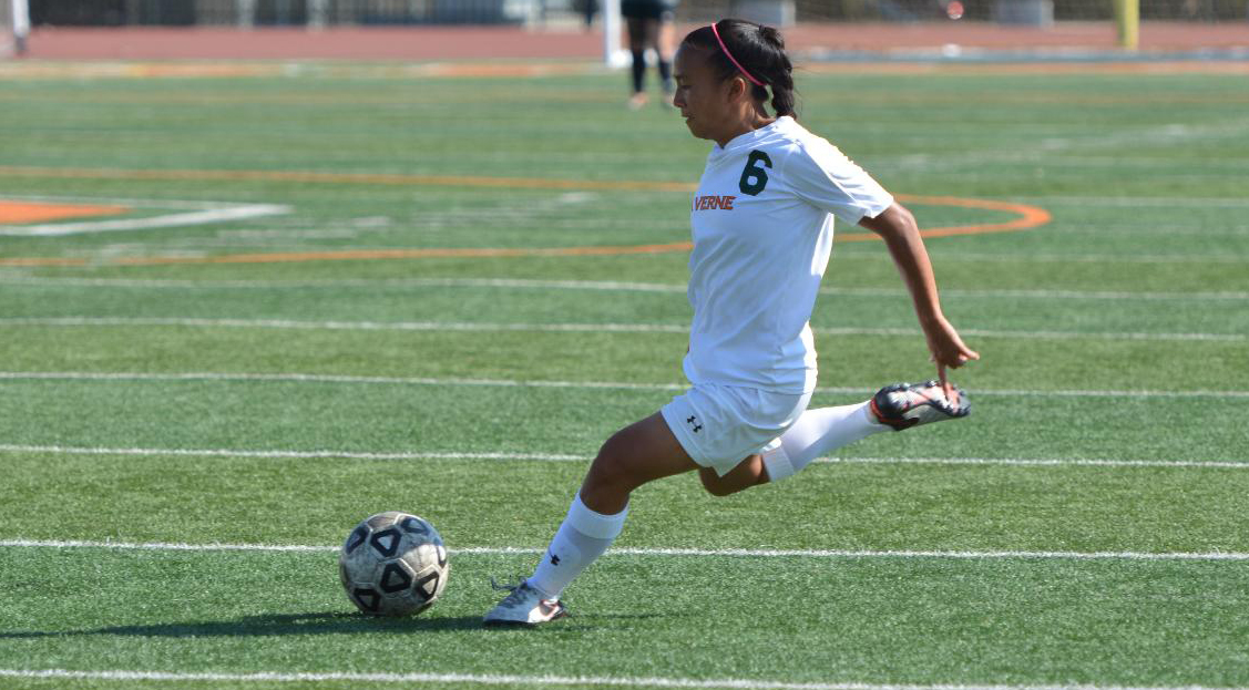 Women's Soccer drops to Antelope Valley in season opener