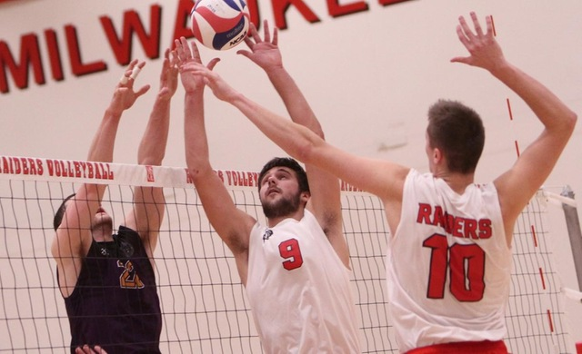 Men's Volleyball Efficiently Sweeps Aside Loras