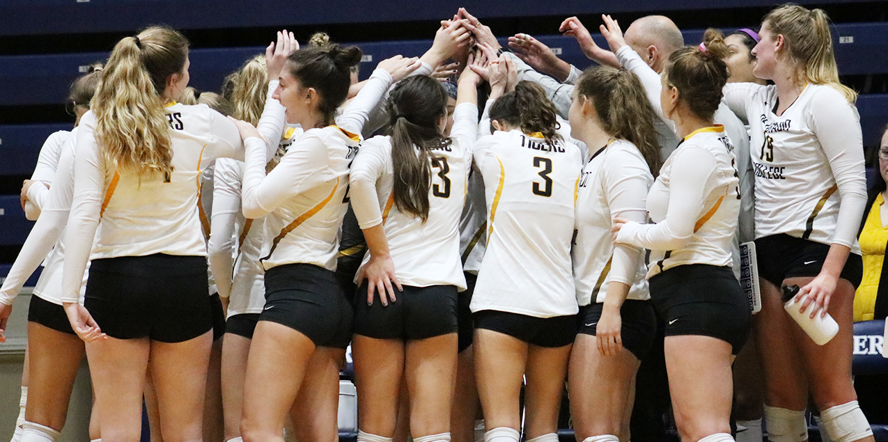 Colorado College Rallies to Beat Washington & Lee to Advance to NCAA Regional Semifinals