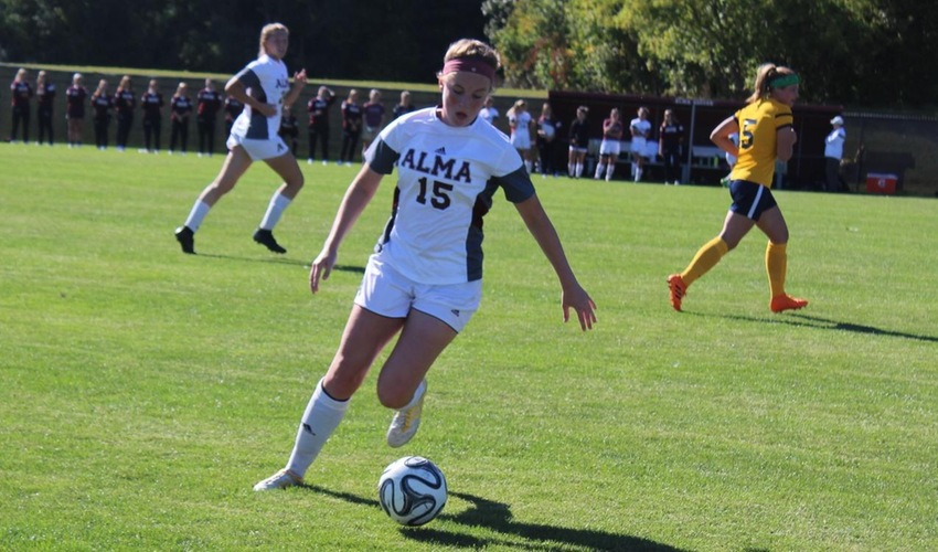 Women's soccer falls to Olivet