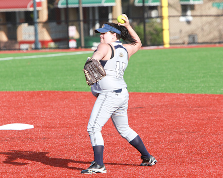 Gallaudet softball team wraps up season on the road against Penn St.-Abington