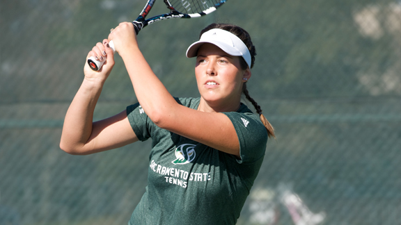 WOMEN'S TENNIS EARNS 5-2 VICTORY OVER UTEP