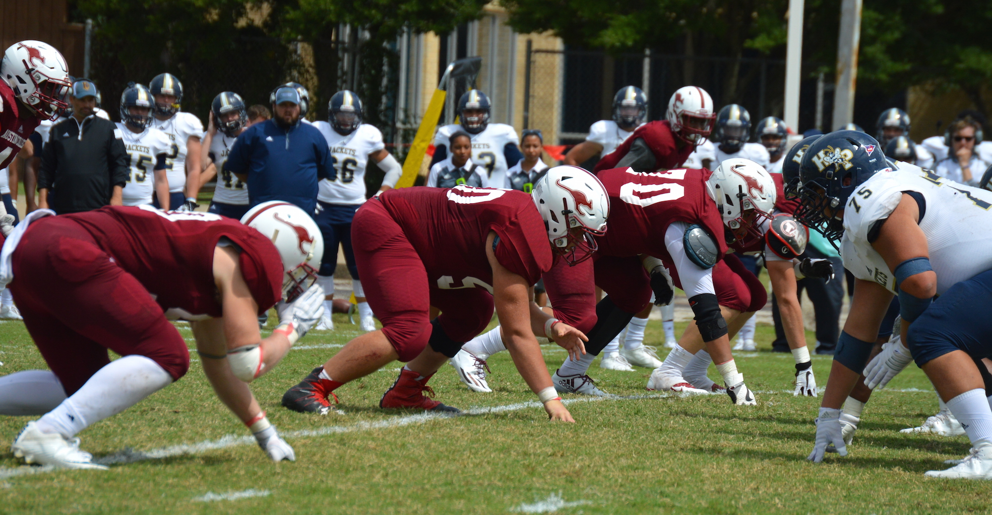 Austin College Holds Off Howard Payne 19-17