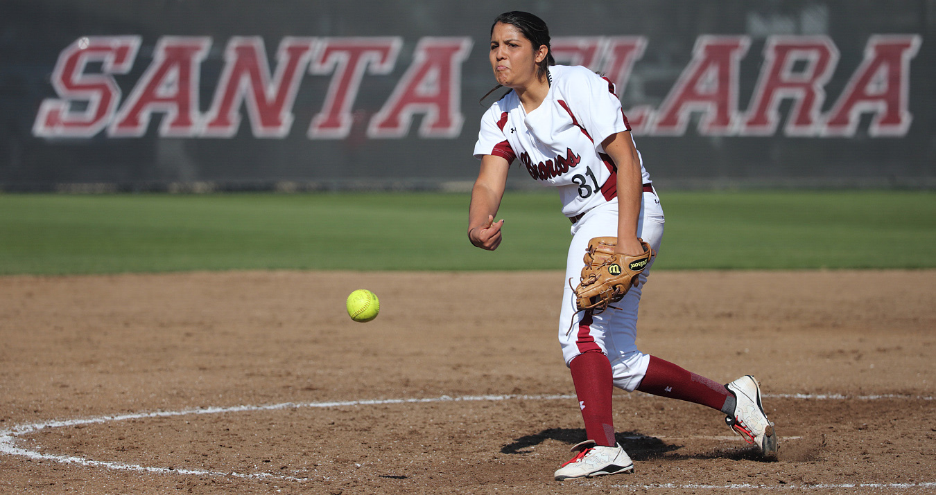 Bronco Softball Hosts Santa Clara Marriott Round Robin