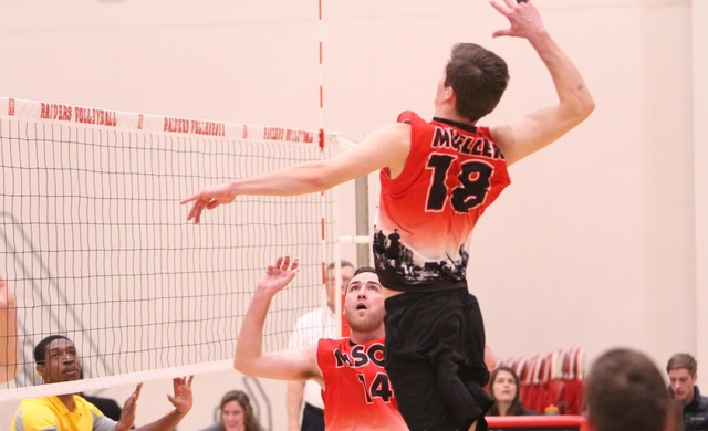 #13 Men's Volleyball Breezes Past IIT in Three