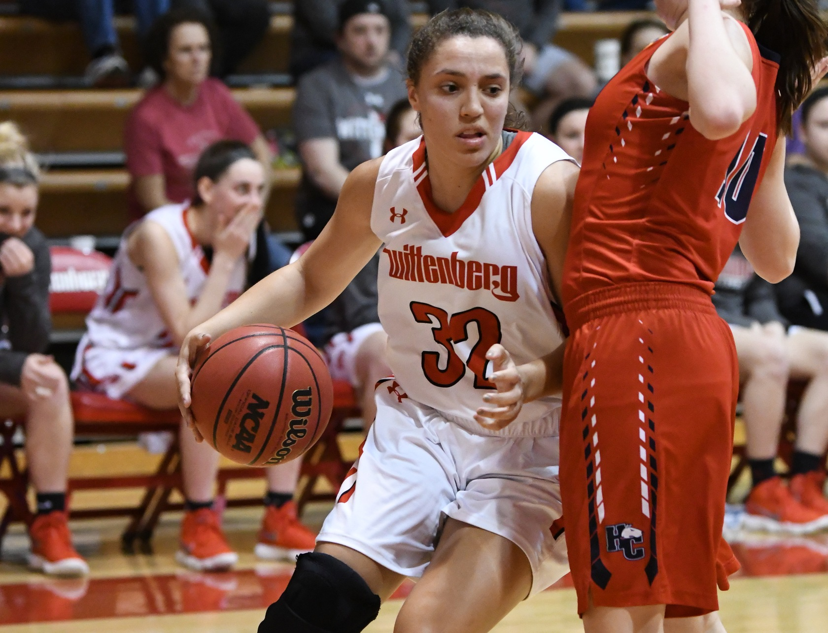 Women's Basketball Scores First Win of the Season