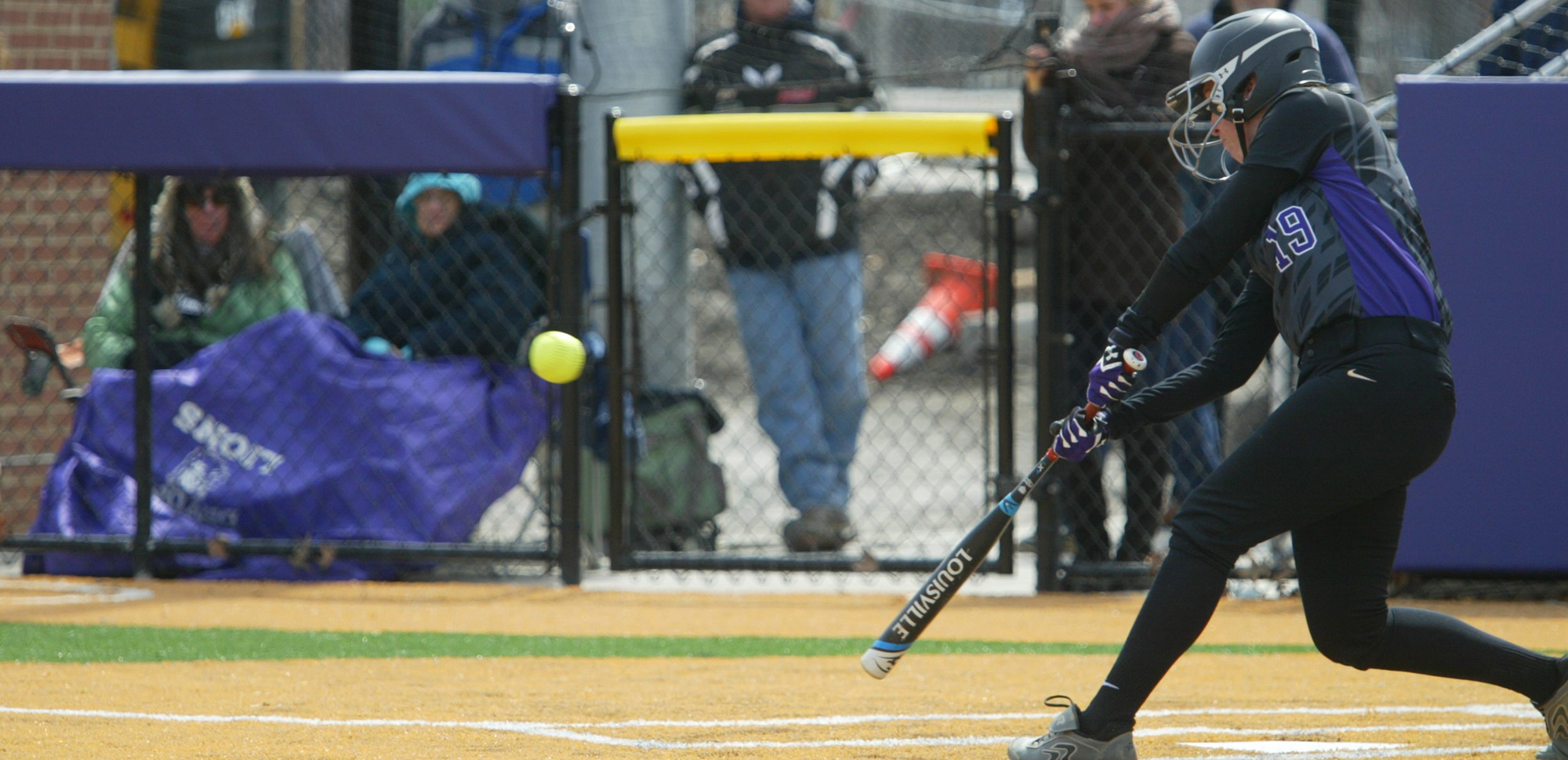 Anna Price drove in the game-winning run in the ninth inning of Saturday's nightcap at Catholic.
