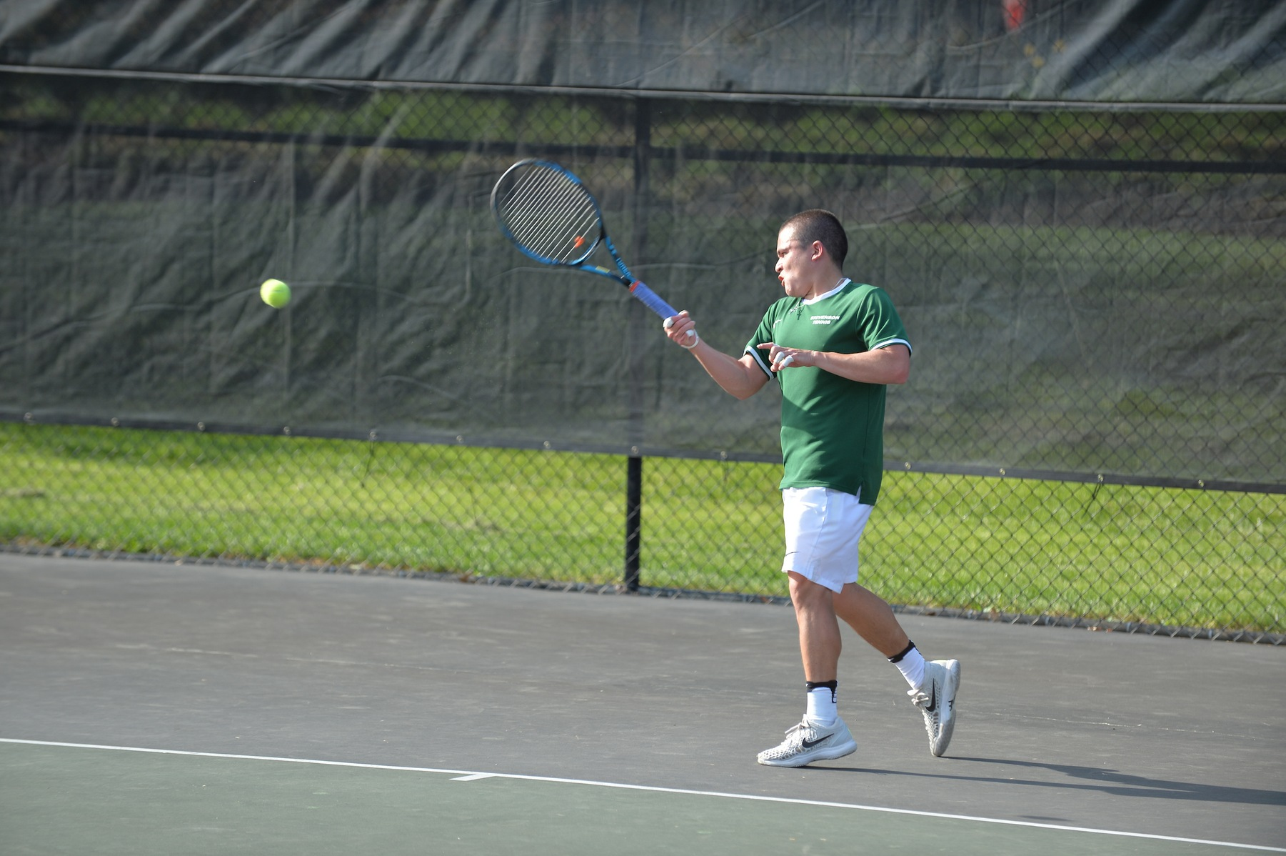 Men's Tennis Remains Undefeated in 8-1 Rout of SUNY Oswego