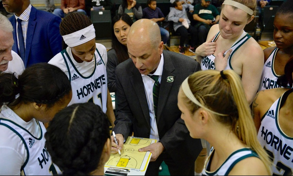 WOMEN'S BASKETBALL LOOKS FOR THIRD STRAIGHT HOME WIN SATURDAY AGAINST EASTERN WASHINGTON