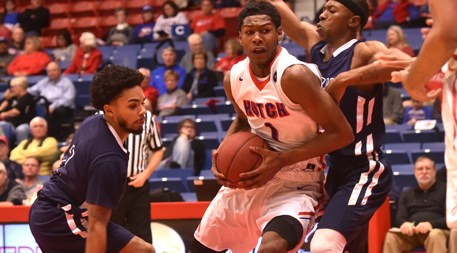 Saquan Singleton has a huge all-around game to lift the No. 7 Blue Dragon men to an 86-81 overtime win on Wednesday at Neosho County (Casey Bailey/Blue Dragon Sports Information)