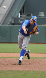Davis, UCSB Offense Make Easy Work of Long Beach, 7-2