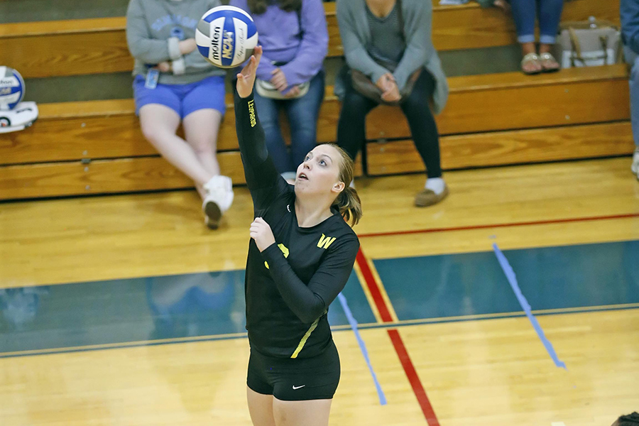 Women's Volleyball Runs to Ninth Straight Win