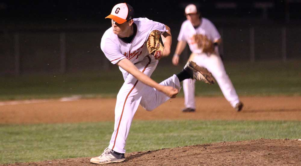 Baseball defeated by Benedictine