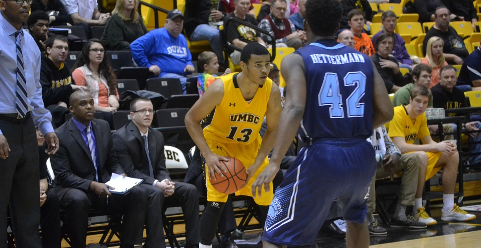 Men's Basketball Heads Back North For Match-Up at UNH on Wednesday Evening