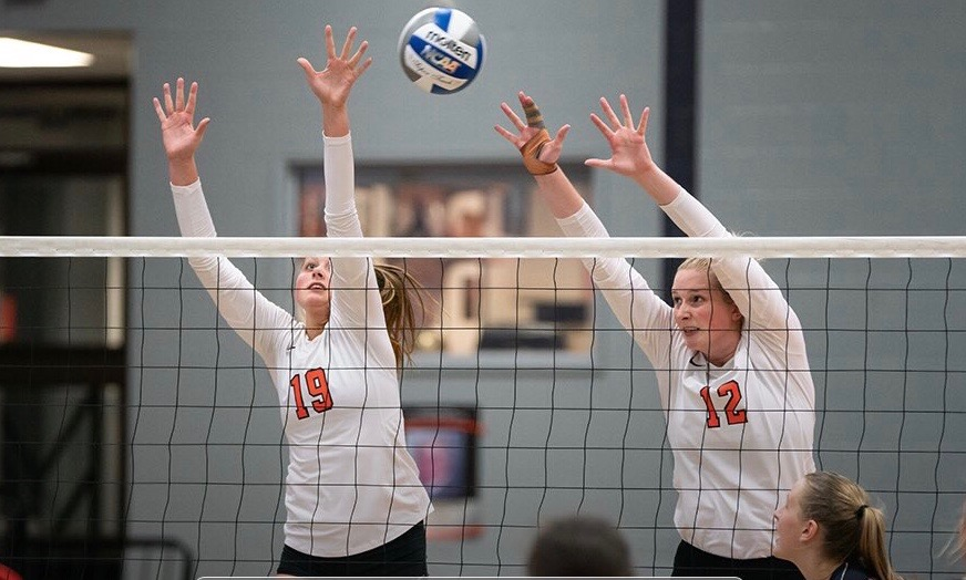 Findlay Falls to Ill.-Springfield in Three Sets