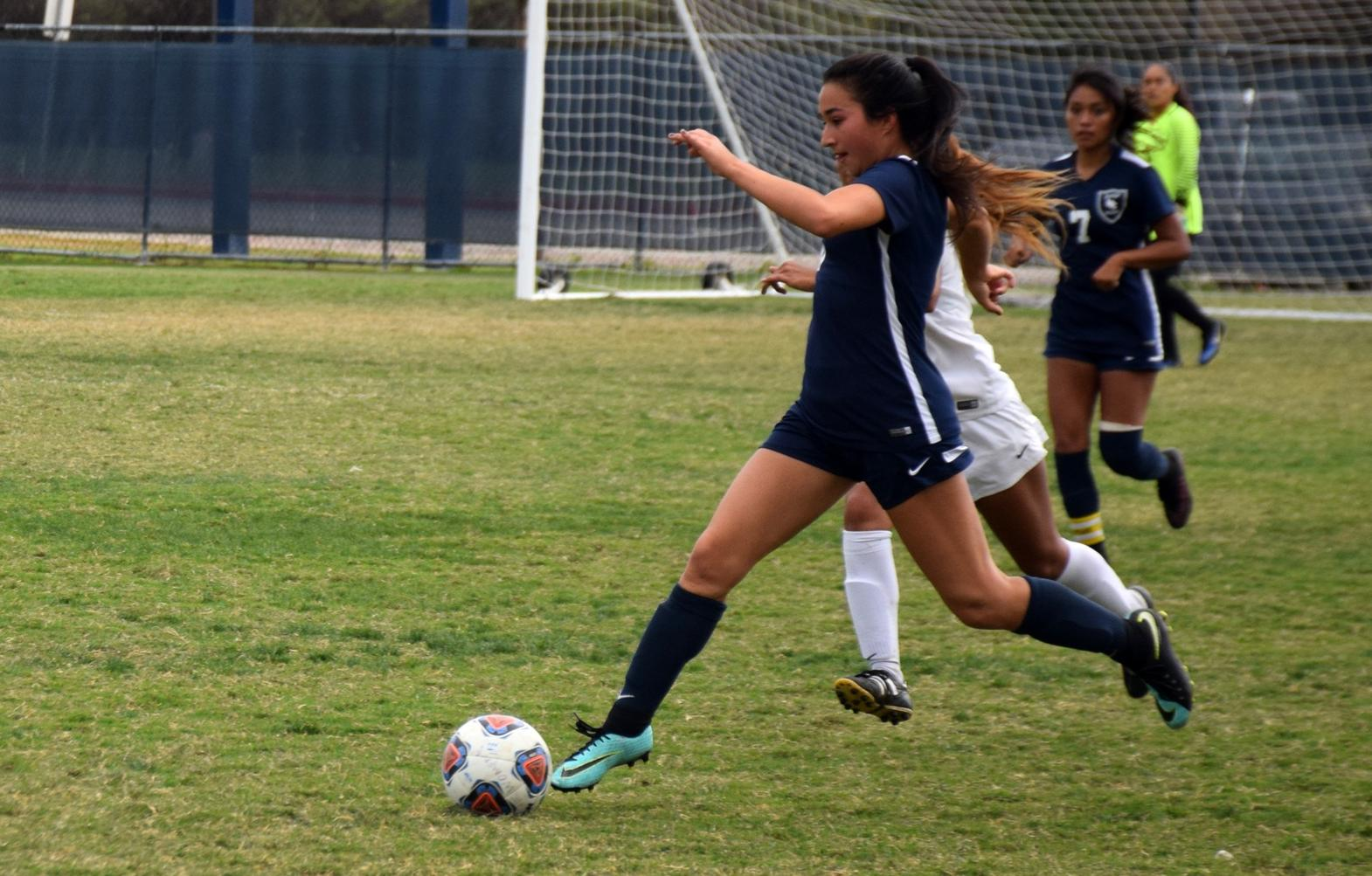 Women's soccer team drops home match to Cypress