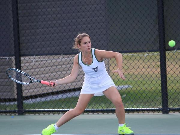 Women's Tennis Notches Fourth Straight Win