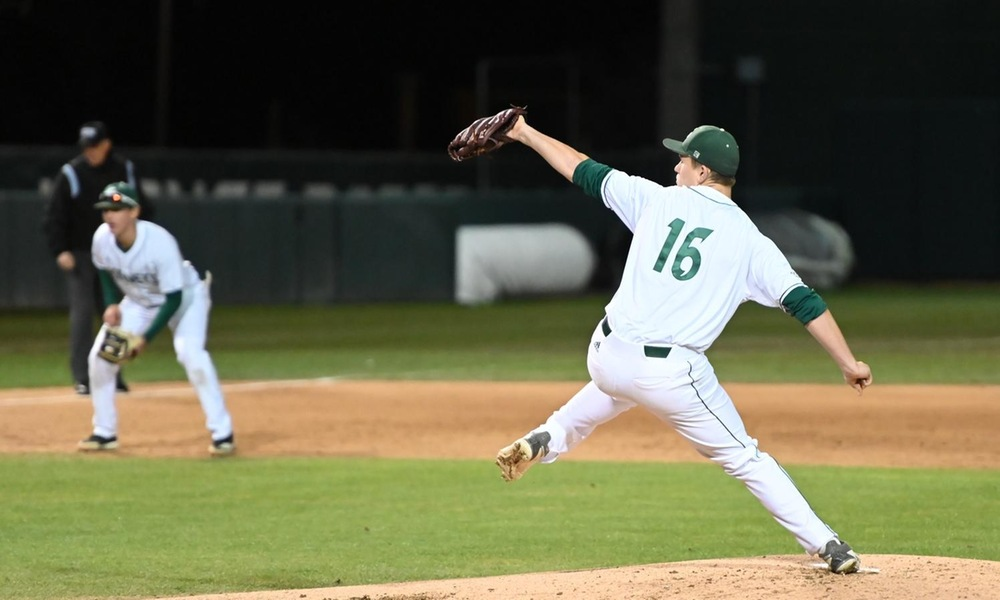 BASEBALL DEFEATS SEATTLE U, 6-2, SATURDAY TO CLINCH SERIES VICTORY