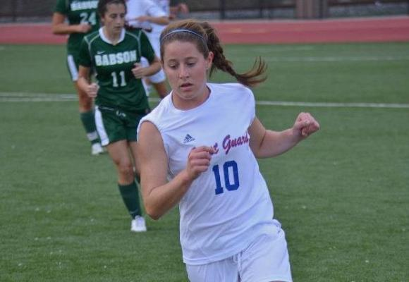 Women's Soccer Picks Up First NEWMAC Win in Season Finale