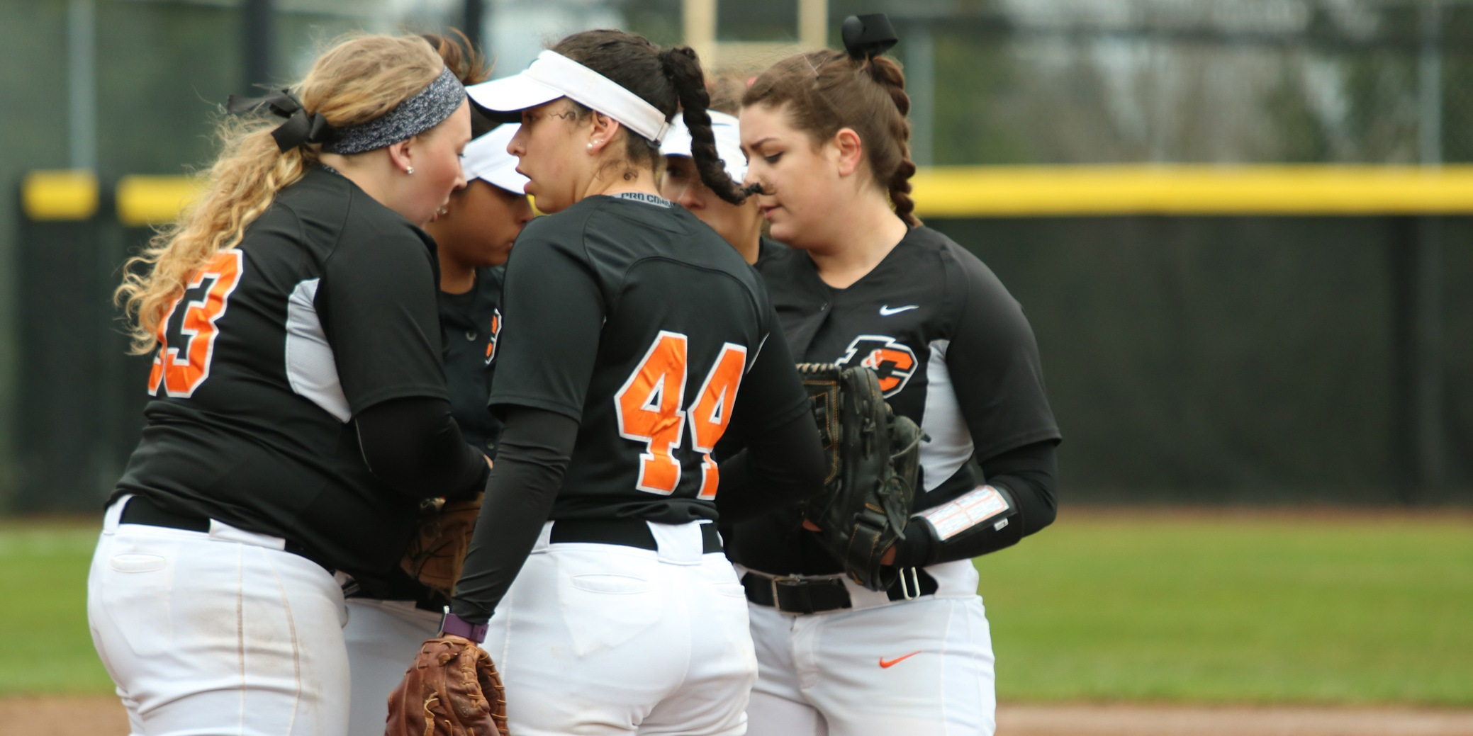 Lewis & Clark loses to Puget Sound after quick turnaround; Game two suspended