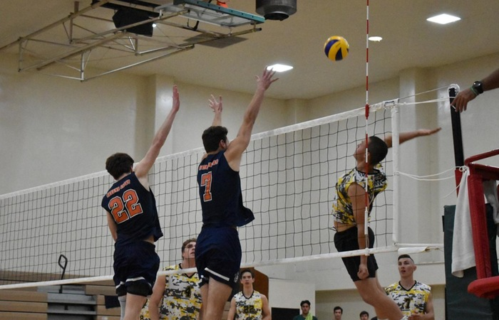 Rustlers Fall to Coast