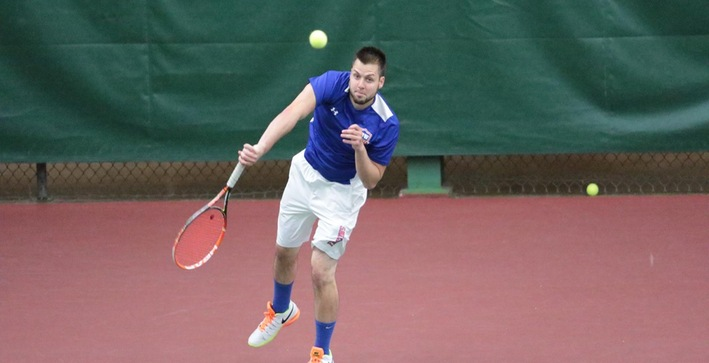 Men's Tennis splits matches Saturday