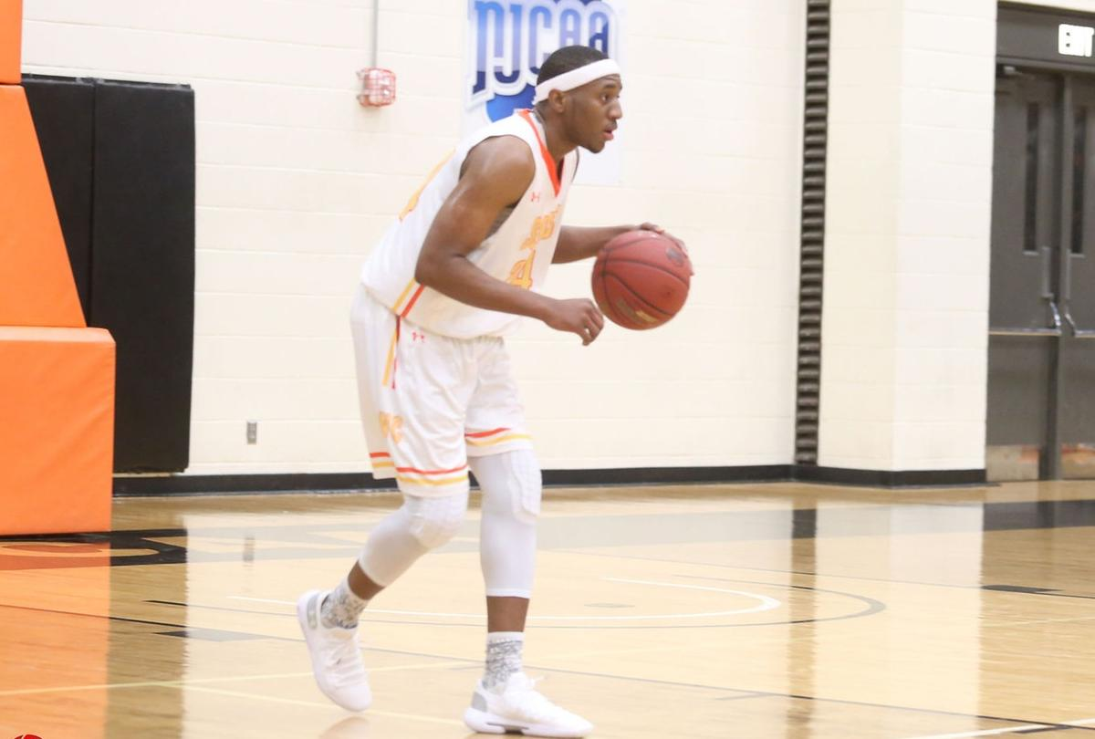 Men's Basketball Ousted in DAC Tourney by Eastfield, 94-76
