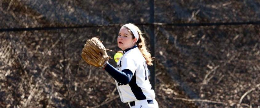 Softball drops 6-2 decision to Babson in showdown of regionally-ranked squads