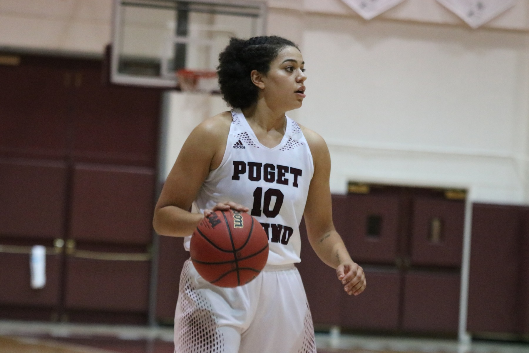 Five Loggers score in double figures to beat Pioneers, 77-65