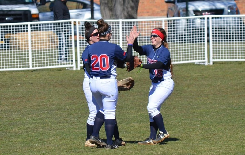 Softball Earns First Conference Win of the Season in Split with the Wilmington University Wildcats