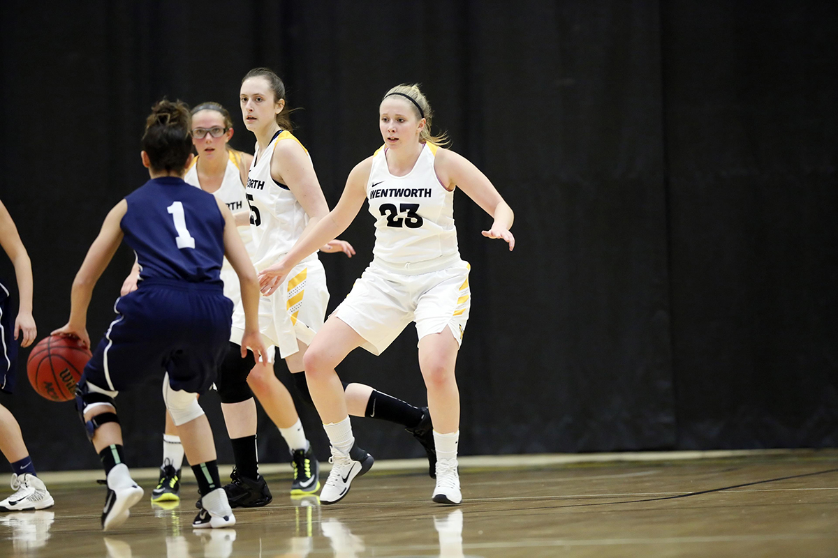 Stretch Run Preserves Women's Basketball's First Win