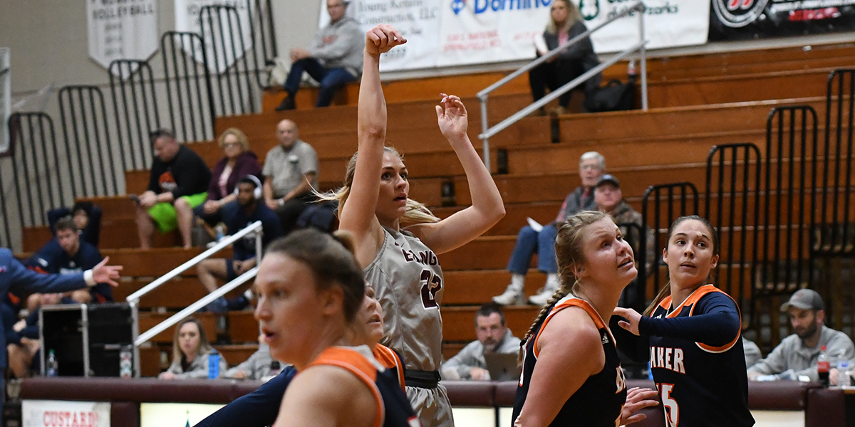Team Effort Helps Evangel Women Hold Off Baker 74-69