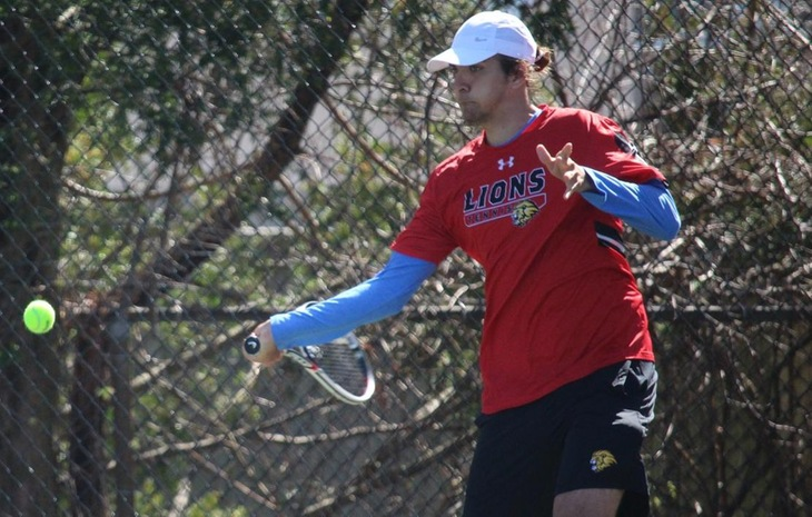 Men's Tennis Sweeps St. John Fisher 9-0
