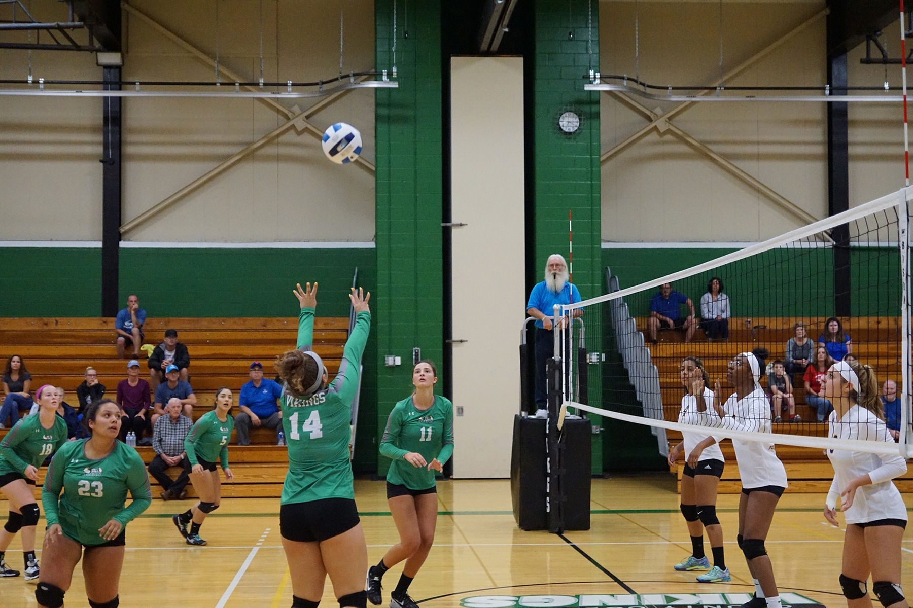 Vikings Volleyball Falls in 4 Sets to Harrisburg Area CC