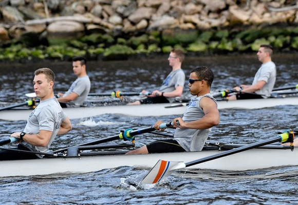 Men's Rowing Competes at New England Championship