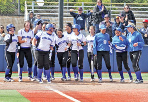 35-0: CSM SOFTBALL FINISHES UNBEATEN REGULAR SEASON RUN