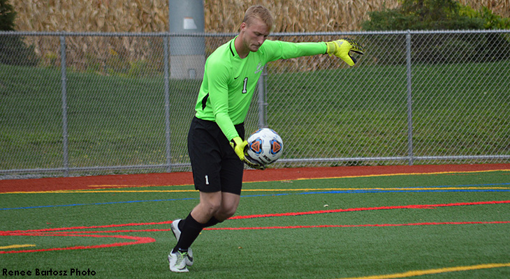 Elmira Edges Wells Men's Soccer