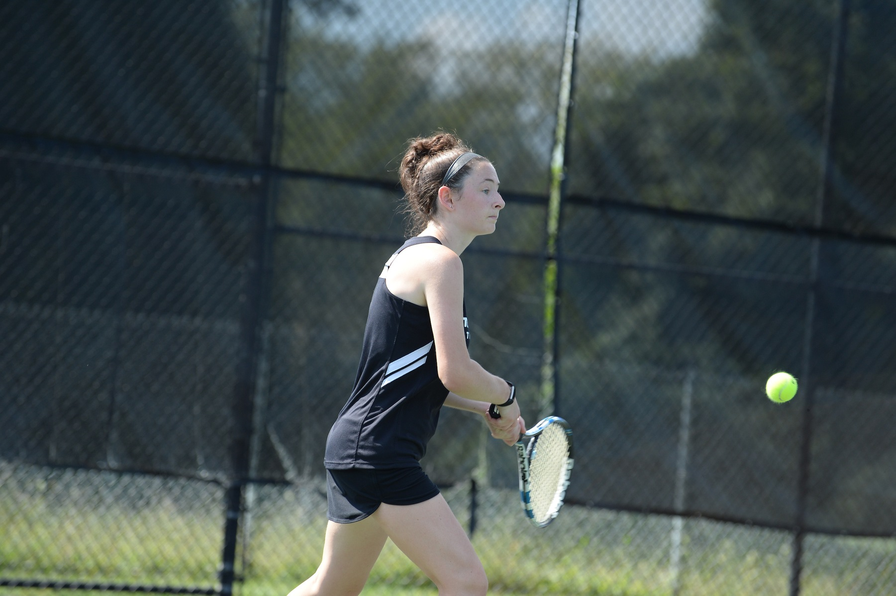 Women's Tennis Falls to St. Mary's